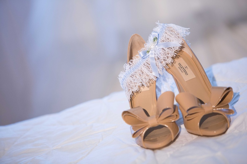 Valentino nude peep toe bow pumps and white lace garter with light blue ribbon