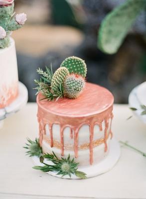 drip cake with cactus, wedding cake trend, small wedding cake, copper drip cake
