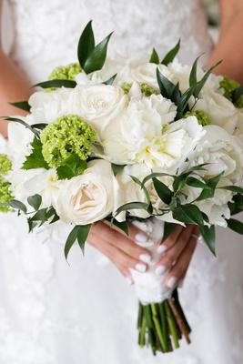 wedding bouquet bridal bouquets greenery white roses peonies rose peony white manicure nails polish
