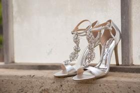 Badgley Mischka sparkle silver heels open toe sandals ankle strap t strap