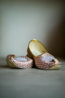 intricately designed wedding slippers bride groom indian hindu wedding traditional silk
