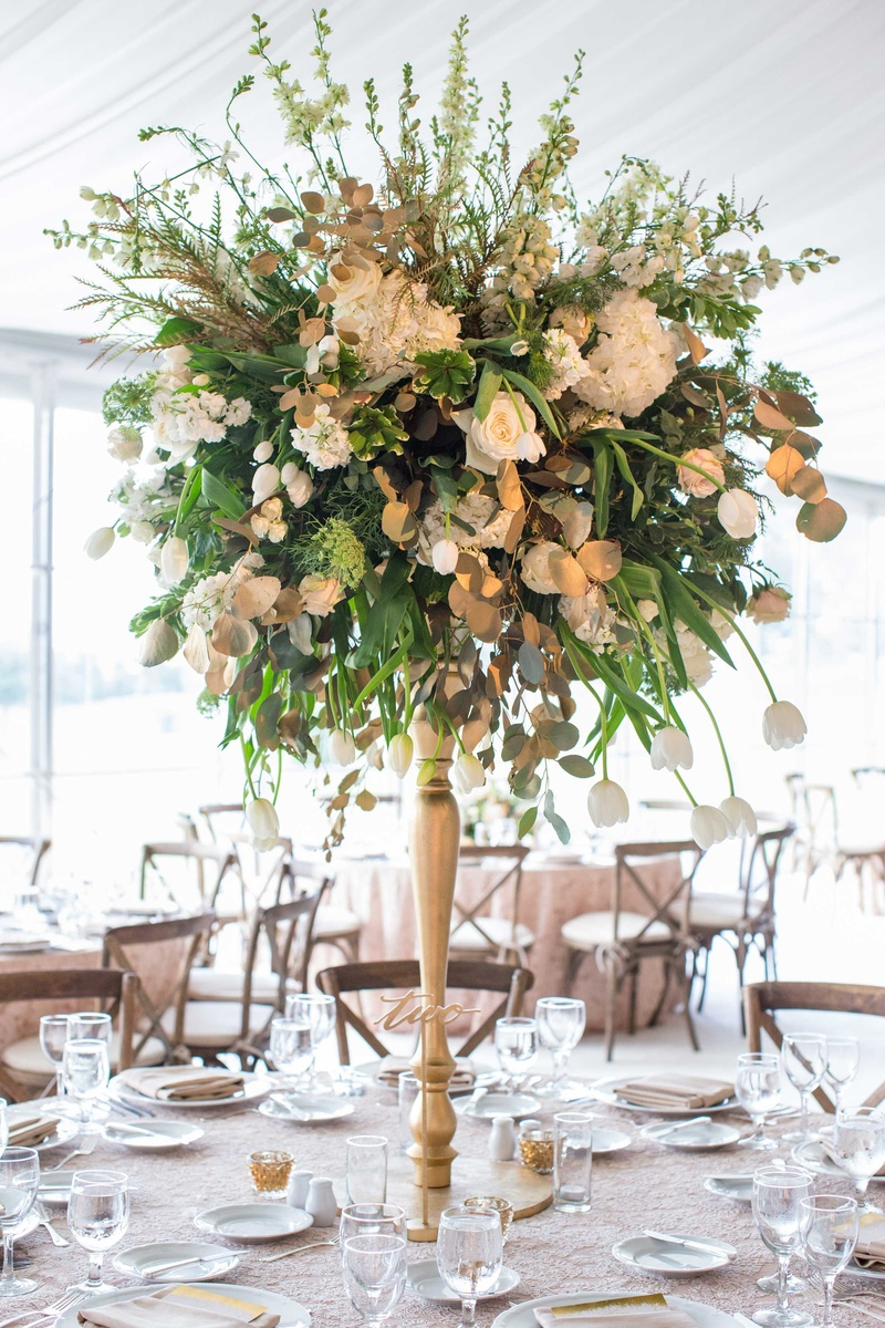 Reception d�cor photos tall tulip greenery centerpiece
