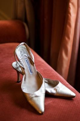 Manolo Blahnik gold kitten heels