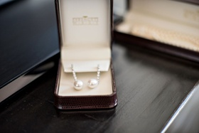 Wedding day jewelry pearl earrings with diamonds drop earring in jewelry box