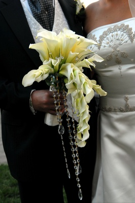 Bridal bouquet with calla lily and crystal details