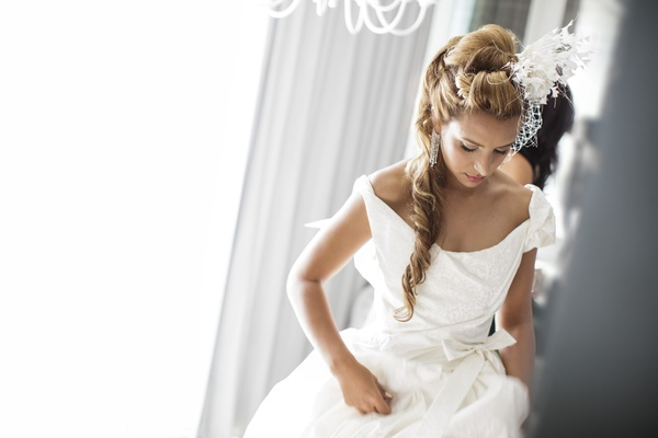 Net birdcage vintage-style wedding veil