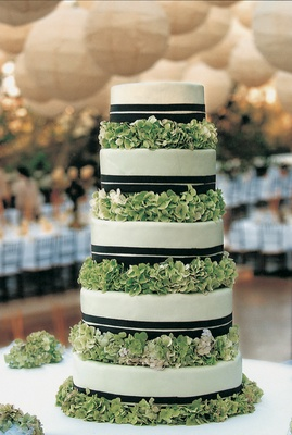 Five layer cake with ribbons