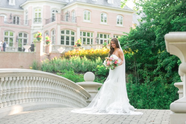 bride in vera wang lindsey dress and vera wang veil, bridal gown with ruffled skirt