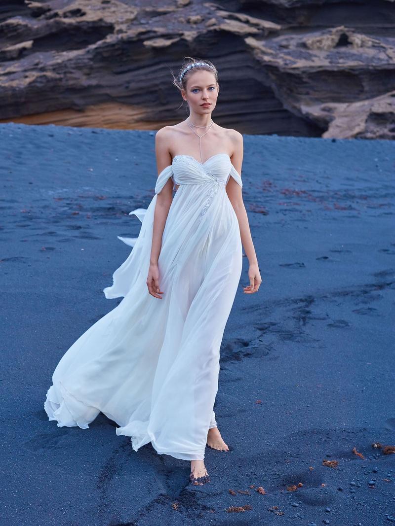 Wedding Dresses Photos - 1016 from GALA No. V - Inside Weddings