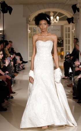 Oleg Cassini Spring 2019 collection strapless satin lace sweetheart trumpet gown with appliques