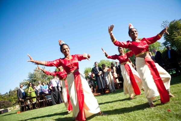 Outdoor wedding with Sri Lankan dancers