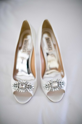 Badgley Mischka bridal high heels shoes peep-toe with crystal details