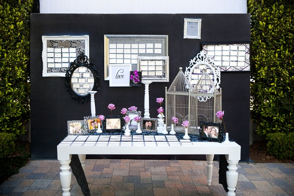 Eclectic frames filled with seating cards