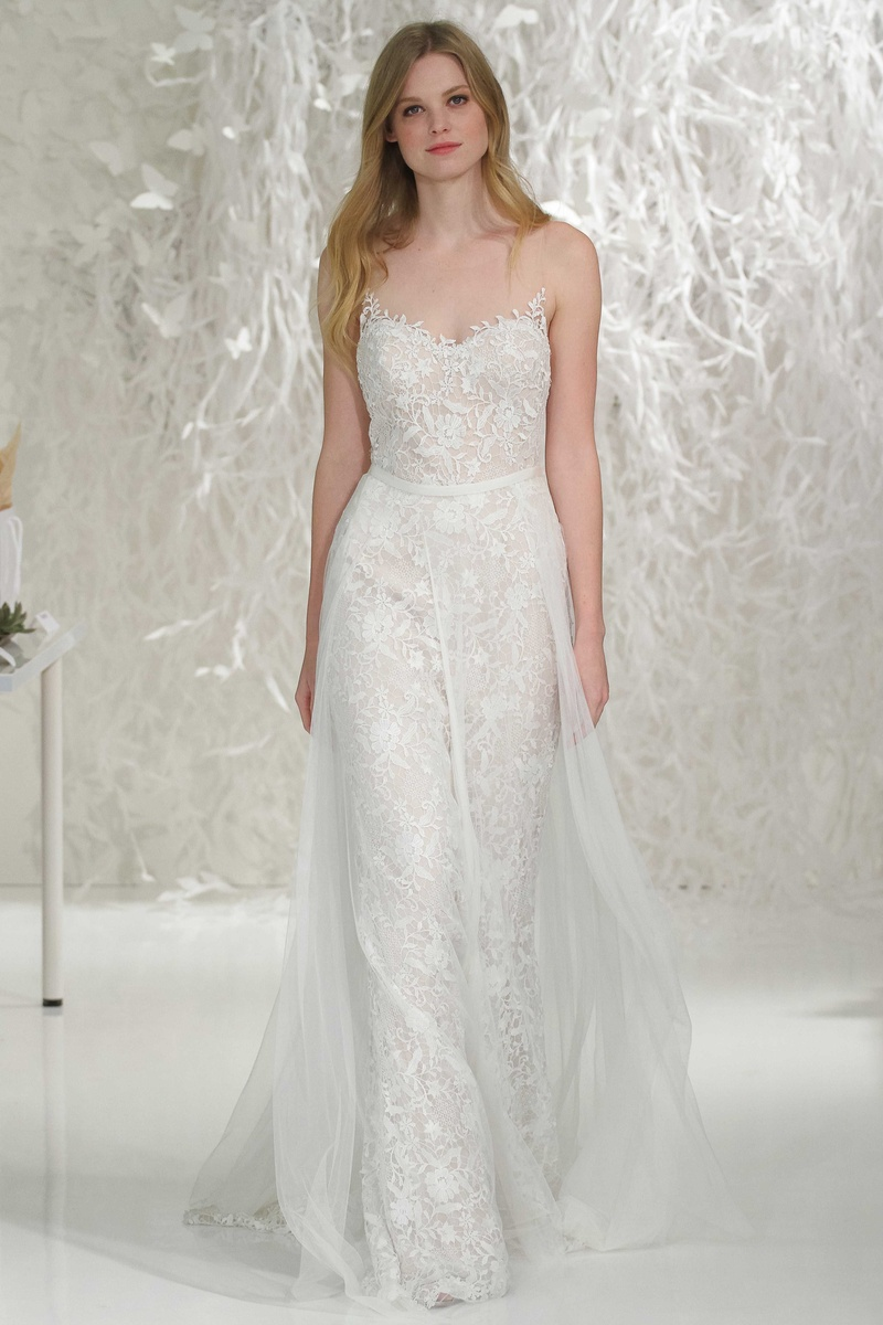 Wedding dresses photos marseille gown lazio for Wedding dress with overskirt