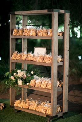 garrett's popcorn chicago mix wedding favors, cheddar and caramel popcorn