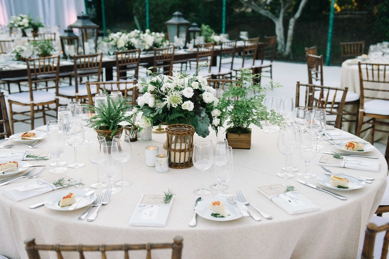 reception d cor photos round tablescape green white details inside weddings. Black Bedroom Furniture Sets. Home Design Ideas