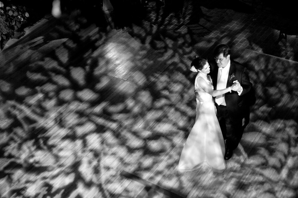 Black and white picture of aerial first dance view