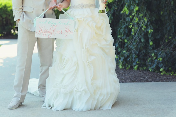 A Bright & Modern Summer Wedding with Mint + Coral Details - Inside ...