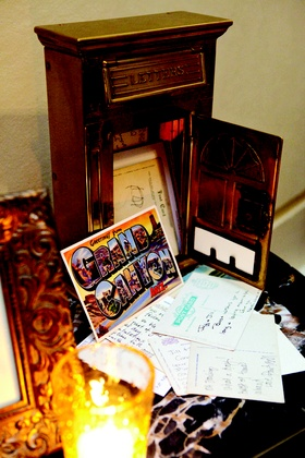 Guestbook alternative with vintage post card notes