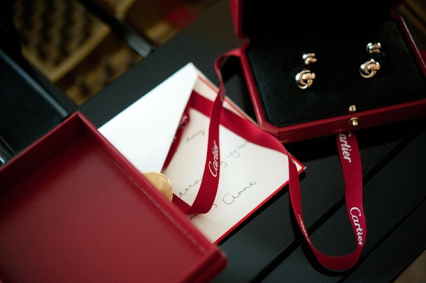 Bride's note to groom with Cartier cufflinks