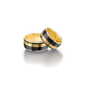 Furrer Jacot 71-84140 yellow gold and carbon fiber wedding band