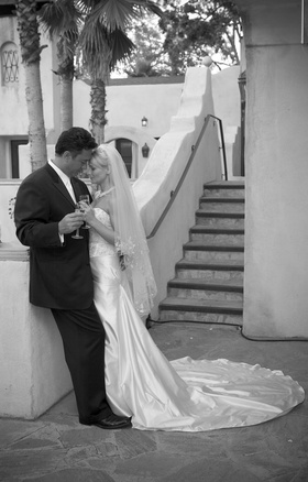 Black and white photo of Ron Darling, former pitcher for the NY Mets, and his bride
