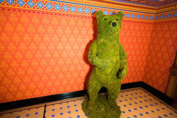 Green moss bear sculpture at William B. Seymour's wedding