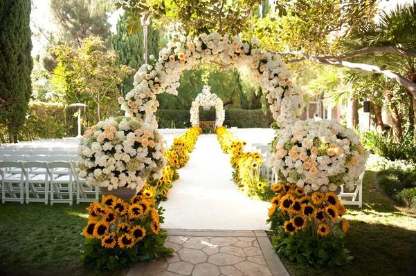 Summer Sunflower Ceremony Amp Garden Inspired Reception Inside Weddings