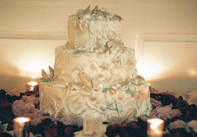 Cakes & Desserts Photos - Beach-Inspired Wedding Cake - Inside Weddings