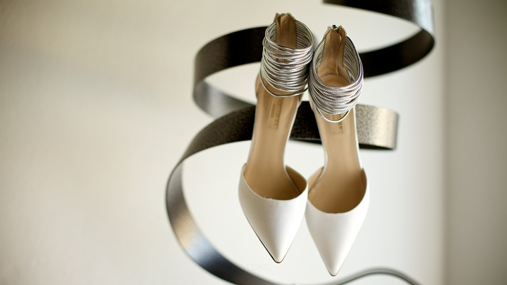 silver metallic wedding high heels pointed toes gray
