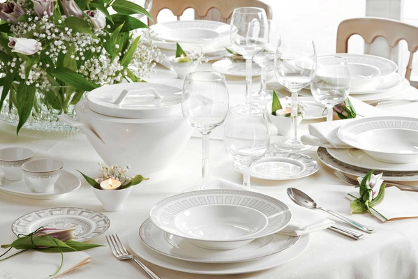 Villeroy u0026 Boch Gifts porcelain white plateware plates dishes bowls and glasses for dinner parties & Beautiful Wedding Registry Items by Villeroy u0026 Boch - Inside Weddings