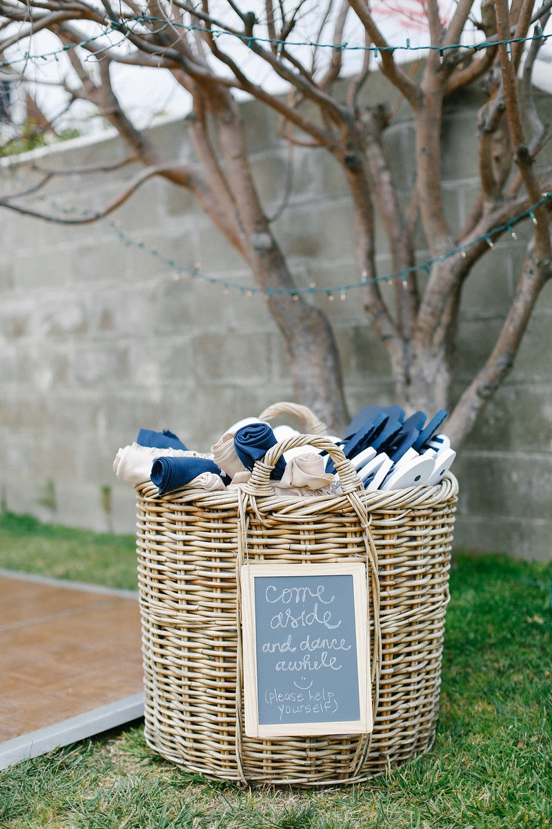 Favors Gifts Photos Blue White Pashminas And Flip Flops