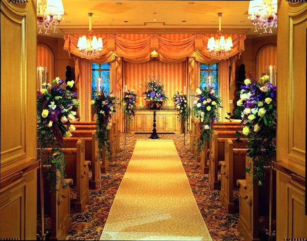 Las vegas wedding venues inside weddings the bellagio offers two lovely wedding chapels as well as a variety of lavish ballroom and event spaces both indoor and out in order to create a dream junglespirit Images