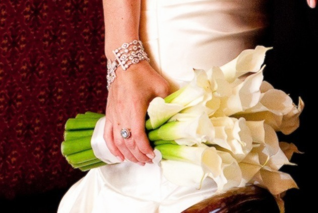 Wedding flowers adding green to all white bouquets inside weddings how to add a natural element to white bouquets mightylinksfo