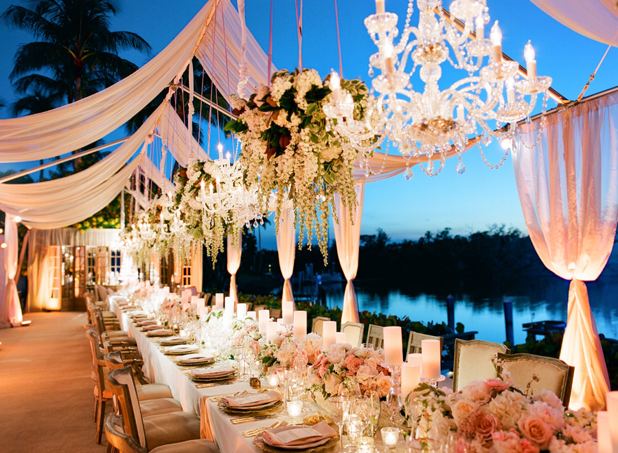 Outdoor weddings inspiration for receptions without tents photo by kt merry photography junglespirit