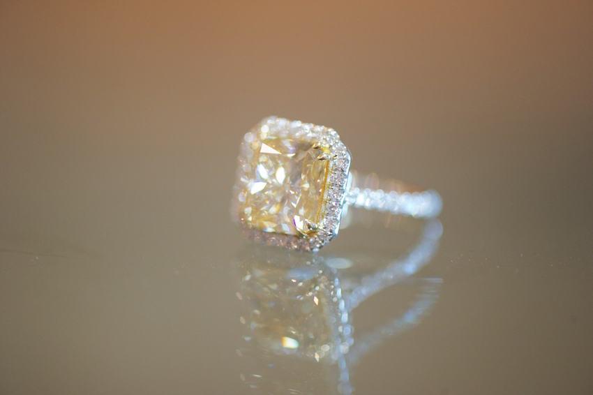 Joanna Krupa yellow diamond engagement ring