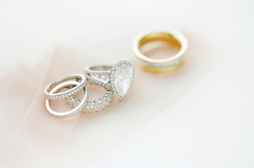 Pear-shaped diamond ring with halo setting