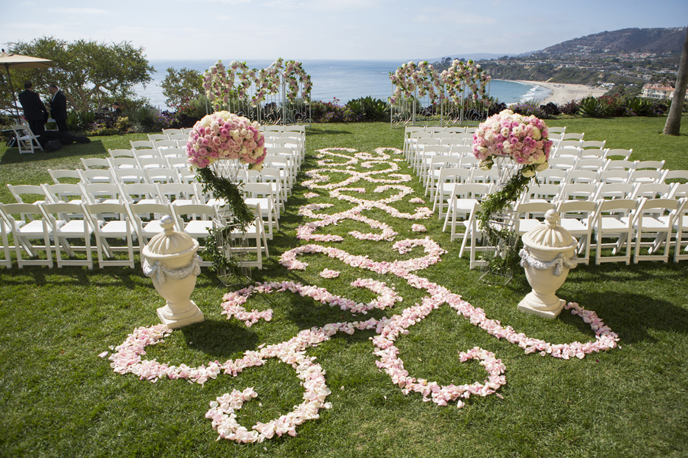 Wedding Flowers How To Create A Floral Aisle Runner