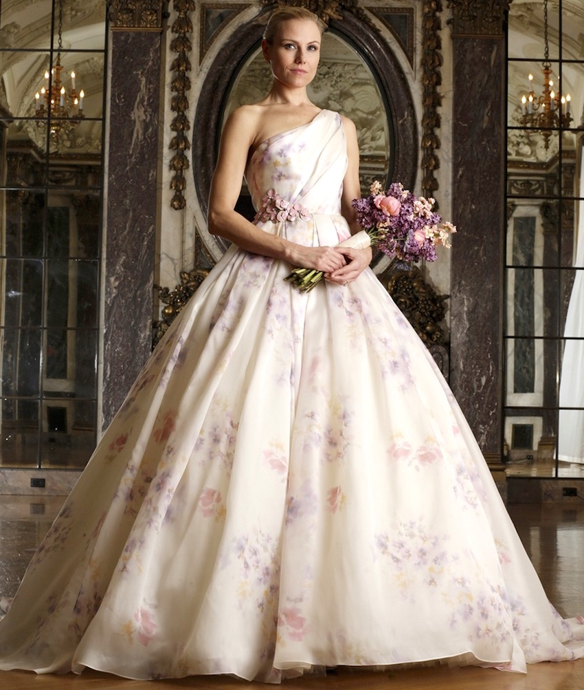 15 ways to use pretty floral prints in your wedding d cor for Floral print dresses for weddings