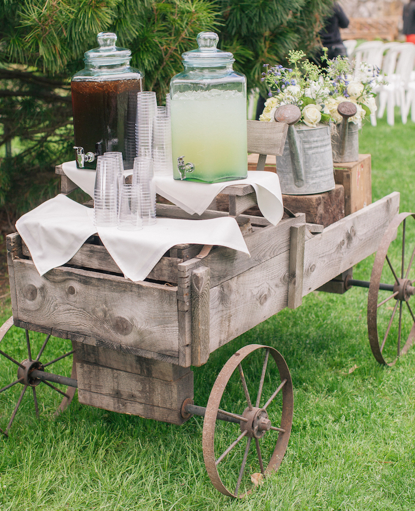 Lemonade and iced tea on wood wagon