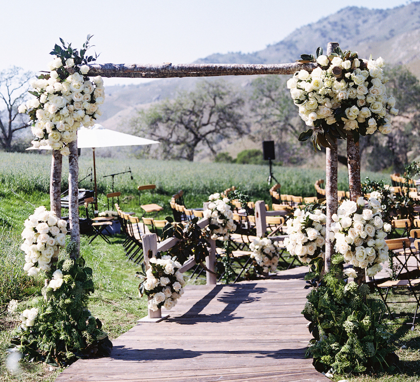 Beau Rustic Outdoor Wedding Ceremony In Bakersfield