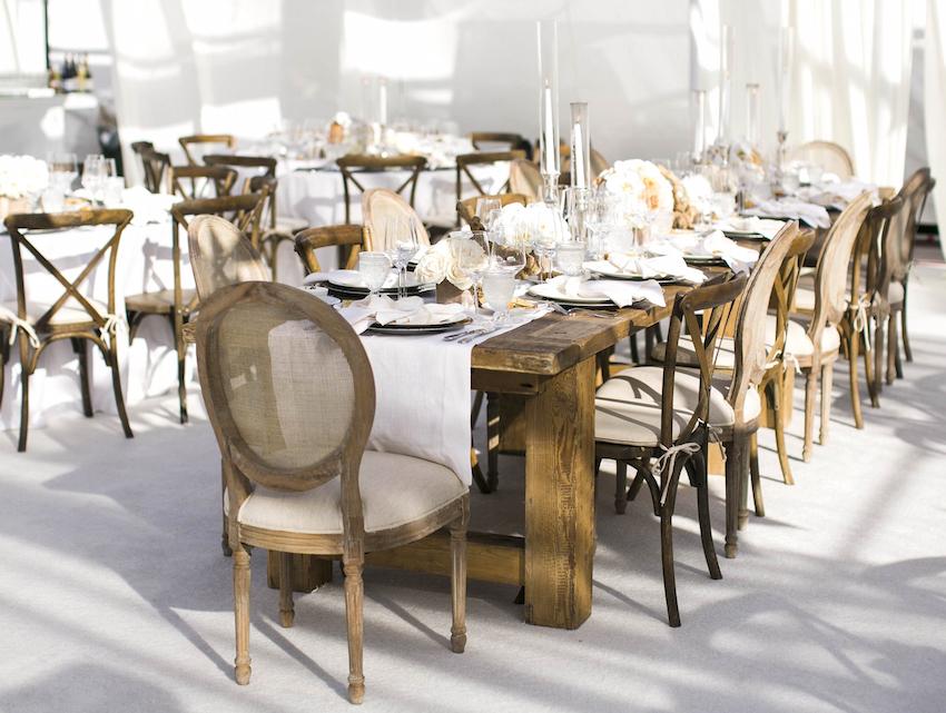 Rustic outdoor wedding table idea