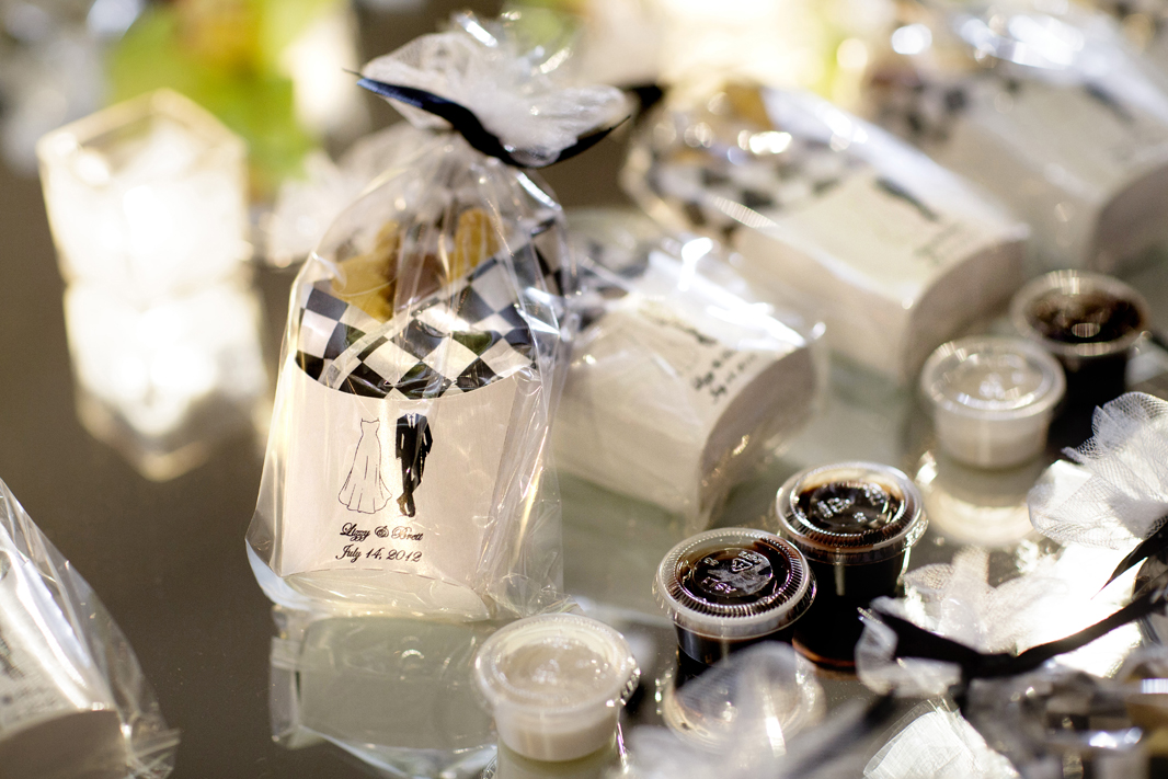 Wedding favor ideas your guests will actually want inside weddings cookies in paper container with chocolate dip junglespirit Gallery