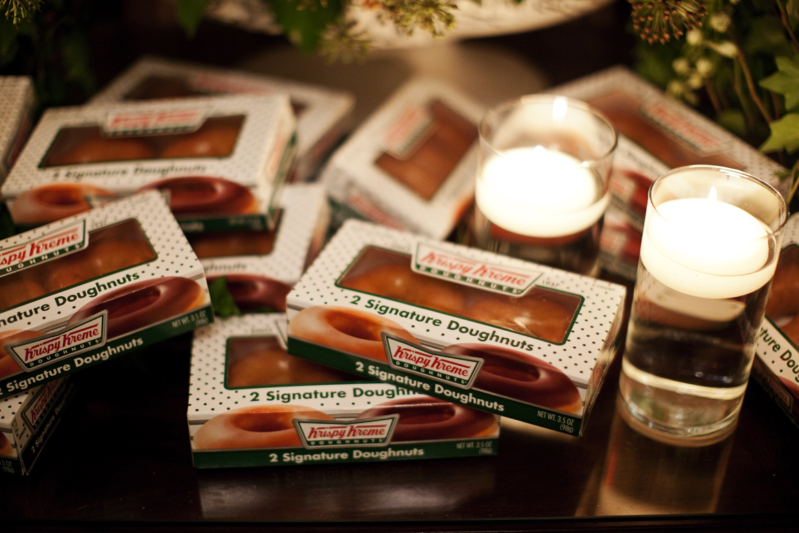 wedding gifts for guests 2 pack of Krispy Kreme doughnuts