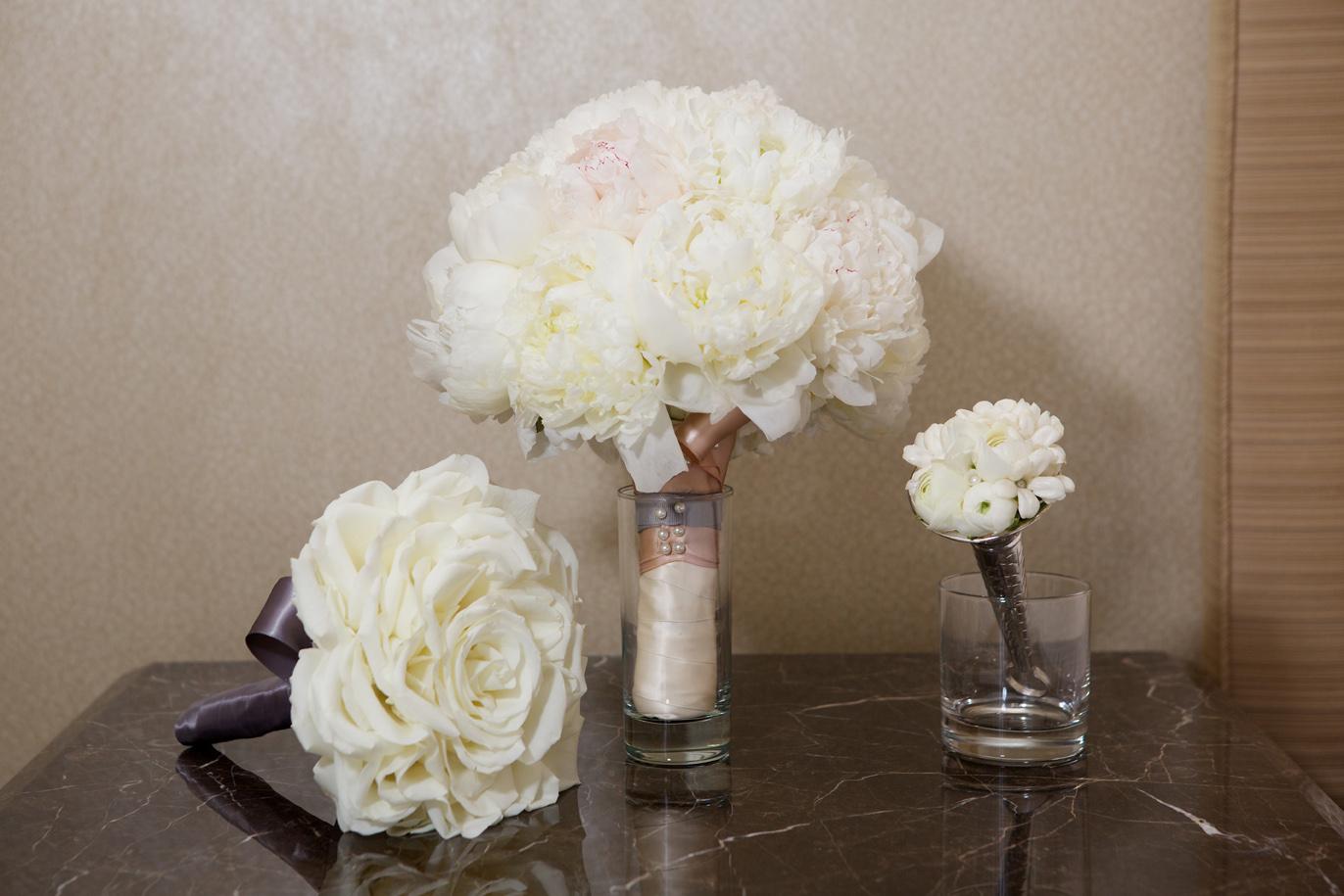 Wedding Bouquet: Discover the Unique Glamelia Rose Bouquet - Inside ...