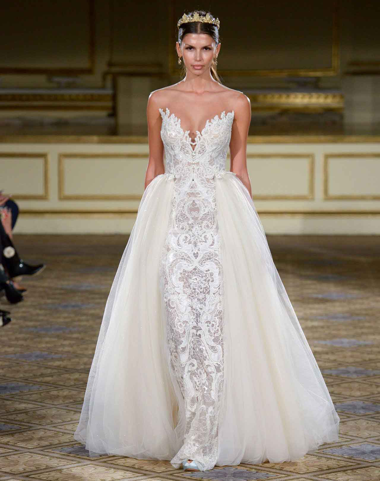 Sofia vergara wedding gown get the look inside weddings for Wedding dress removable skirt