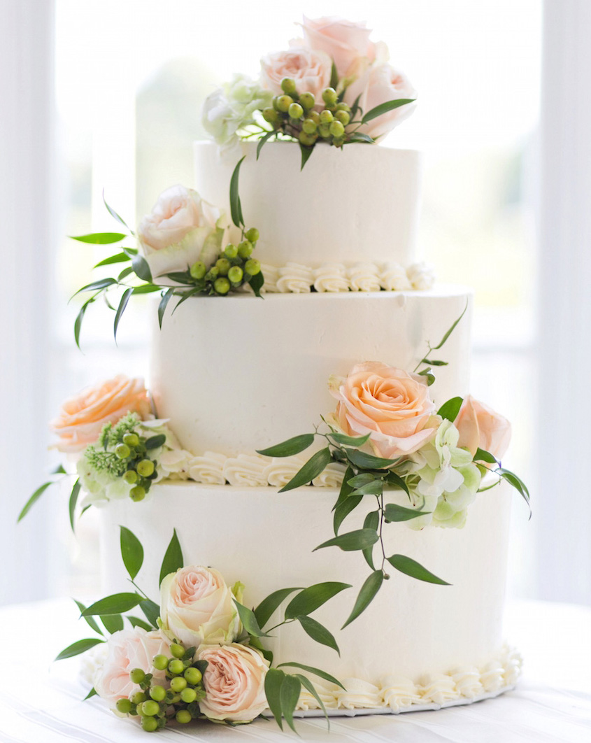 fresh flowers for wedding cake decoration wedding cake ideas small one two and three tier cakes 14474