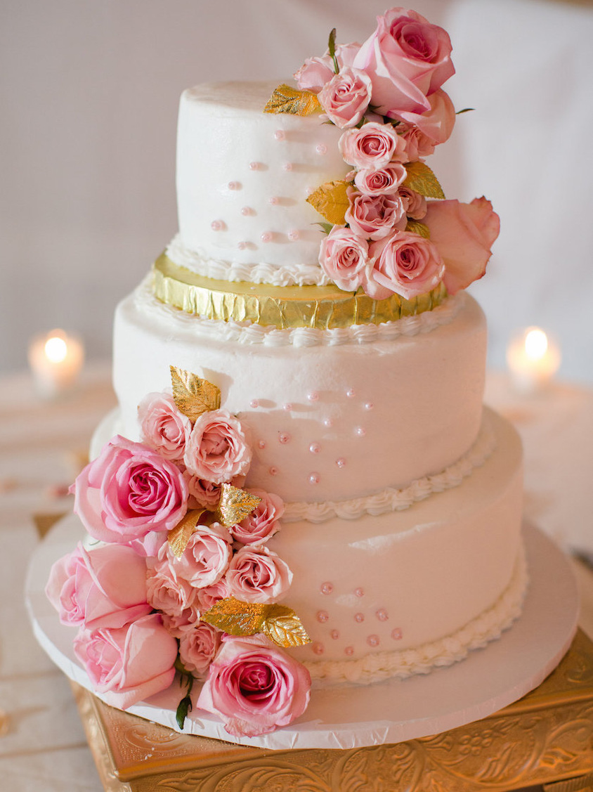 White pink and gold small wedding cake