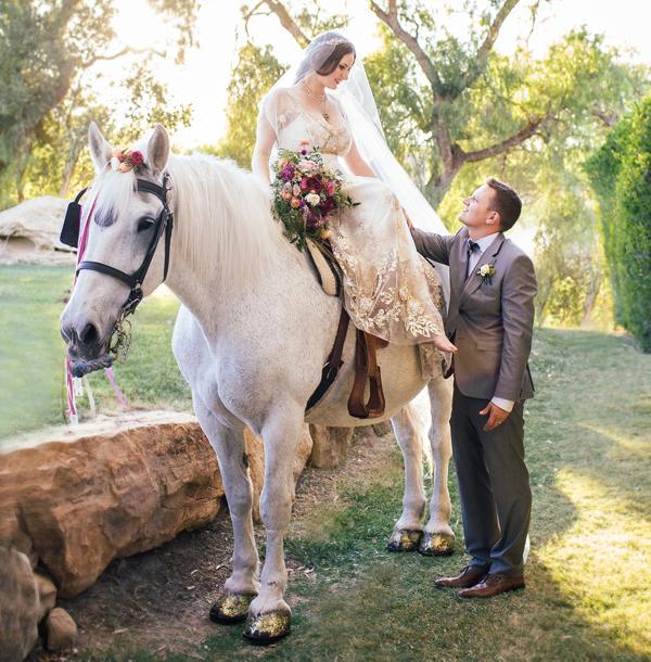 Outdoor Wedding Ceremony Eau Claire: Wedding Transportation Ideas: Unique & Fun Transportation