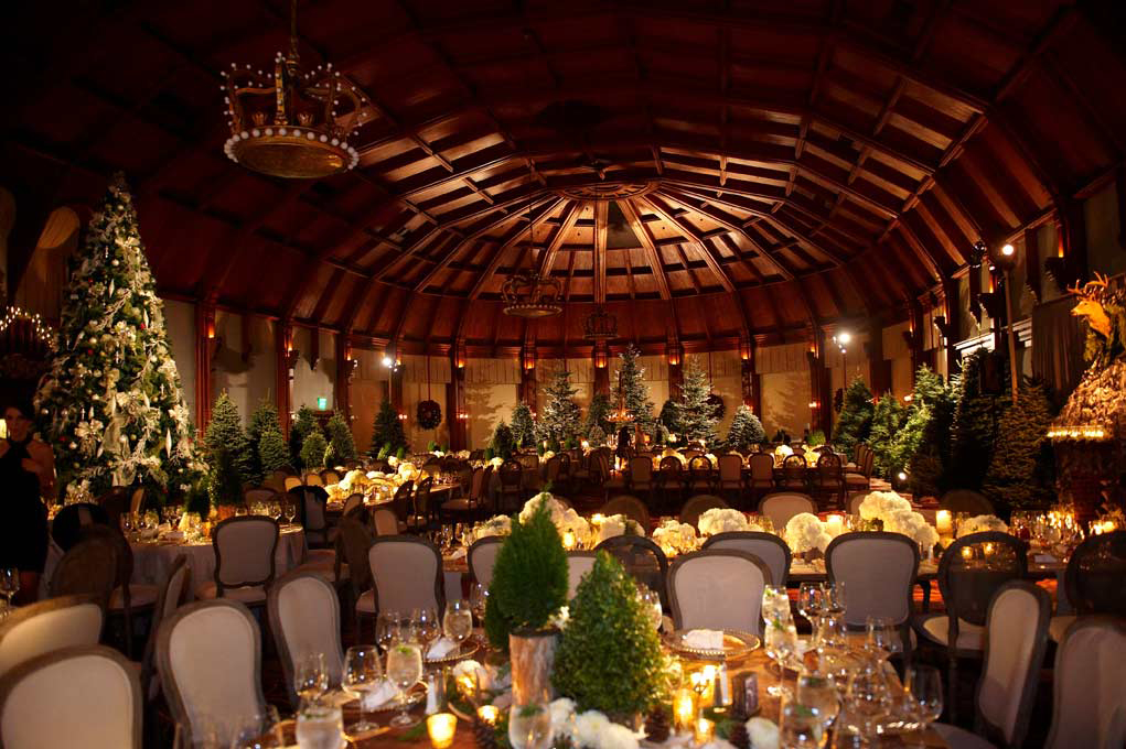 Wedding reception with Christmas decorations
